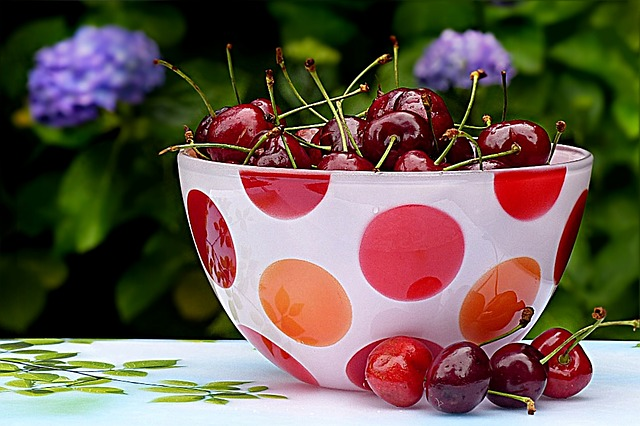 image of a bowl of cherries